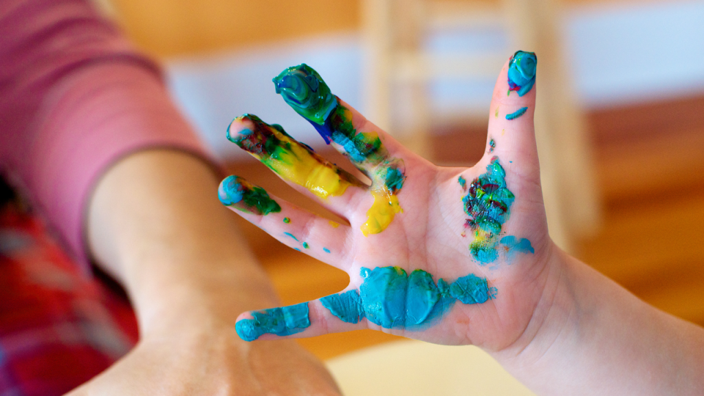painting_hands